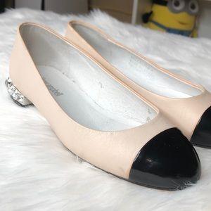 Jeffrey Campbell Shoes - NWOT Jeffrey Campbell flats size 5